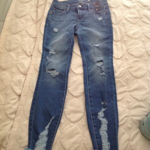 NWT NY&Co Soho Ankle Jeans, Distressed, Size 0
